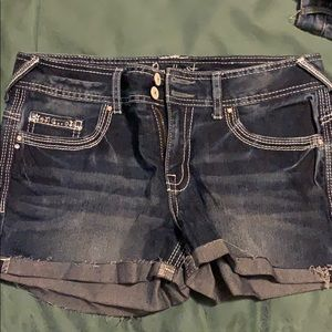 Jean shorts with design